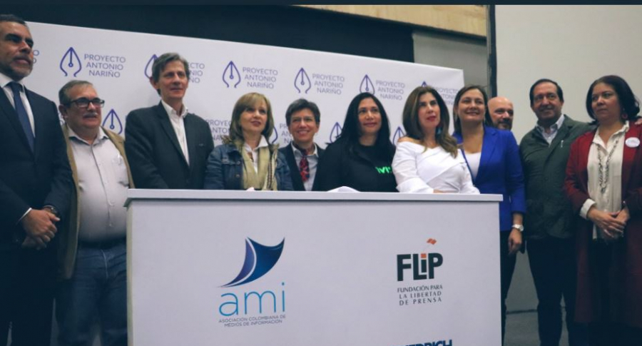 Partidos políticos firman pacto por 'la libertad de prensa'