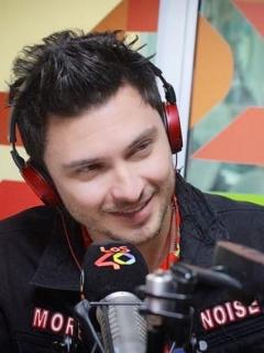 Diego Sáenz, locutor, y María Juliana Correa, presentadora.