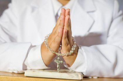 Imagen de un sacerdote