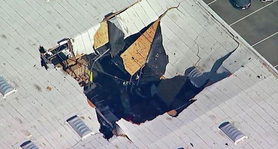 Avión se estrella contra bodega en EE. UU.