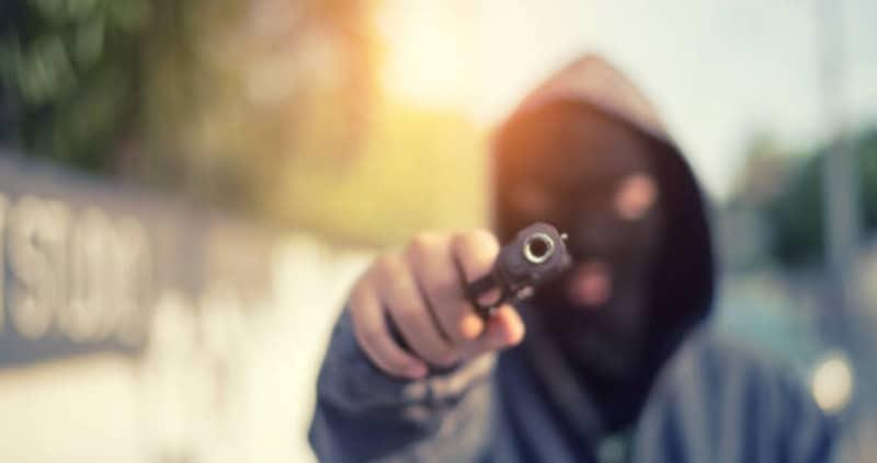 Ladrón armado.