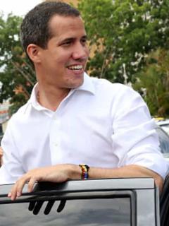 Ahora difunden fotos de Guaidó en camioneta manejada por supuesto narco de 'Rastrojos'