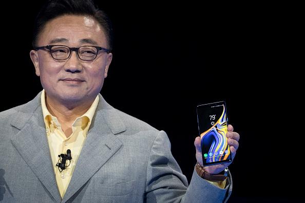 Presidente de Samsung Koh Dong Jin con Galaxy Note 9