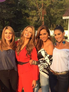 Ana Karina Soto, Melissa Martínez, Tatiana Franco y Carolina Soto, presentadoras.
