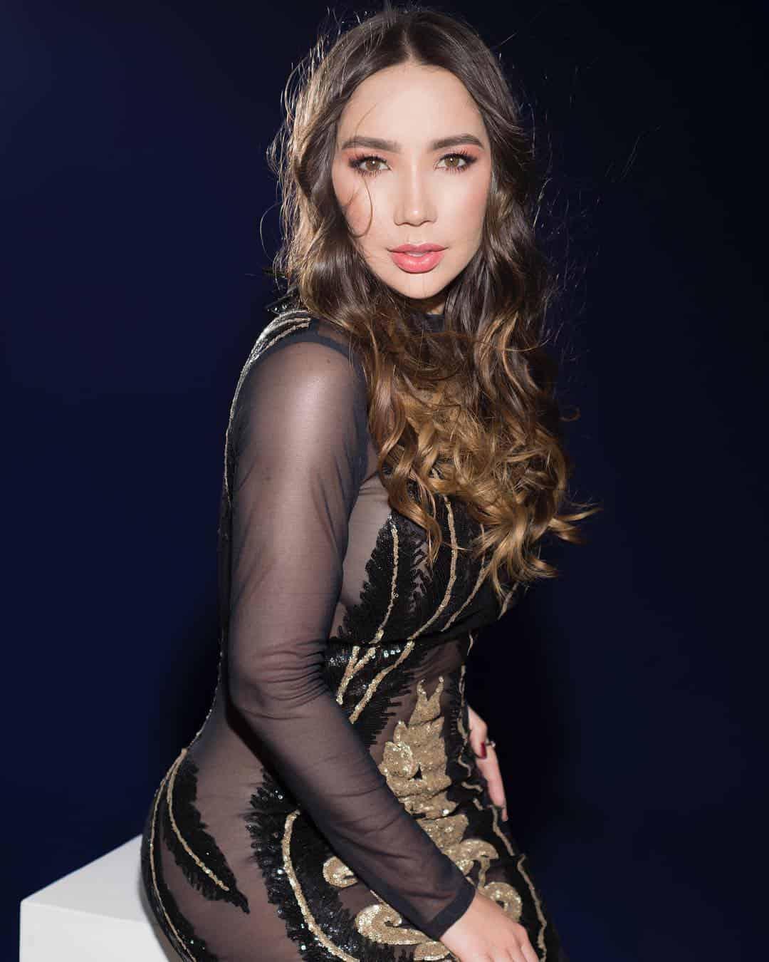 Actriz Porno Que Se Parece confunden a paola jara con actriz porno karlee grey