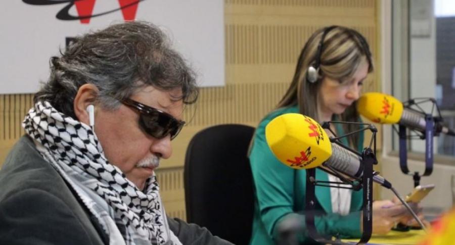 'Jesús Santrich' y Vicky Dávila