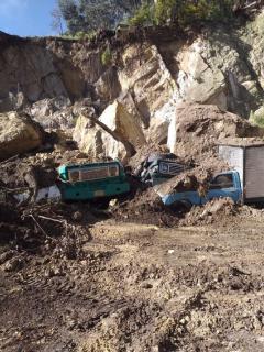 Vehículos en deslizamiento en Usaquén