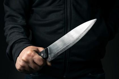 Hombre con cuchillo atacó a un discapacitado.