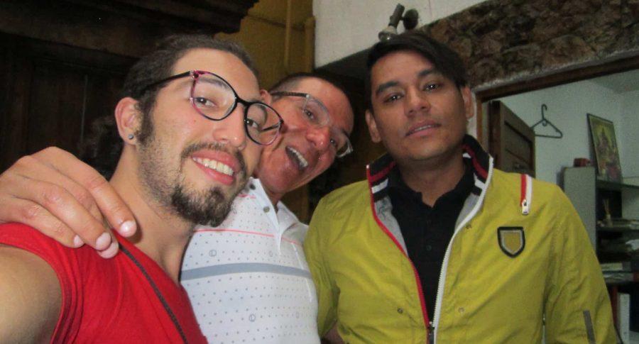 Trieja de hombres gais en Medellín.