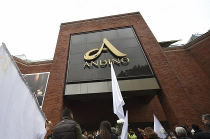 Atentado al Centro Andino