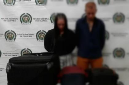 Pareja capturada por presunto tráfico de cocaína.