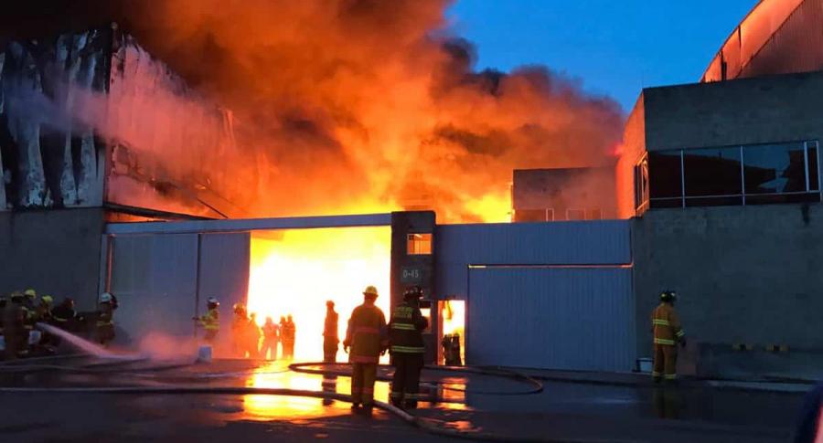 Explosión en incendio en bodega