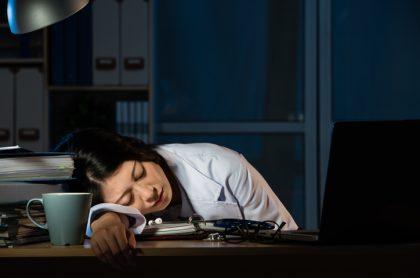 Doctora durmiendo