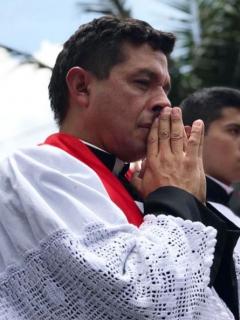 'Padre Chucho' y 'profesor Salomón'.