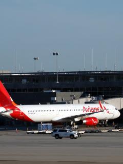 Vuelo de Avianca de Madrid a Medellín hizo desvío a Portugal para atender a pasajera