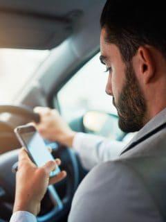 ¿Cuántos salarios mínimos se ganan y qué profesionales conducen Uber en Colombia?