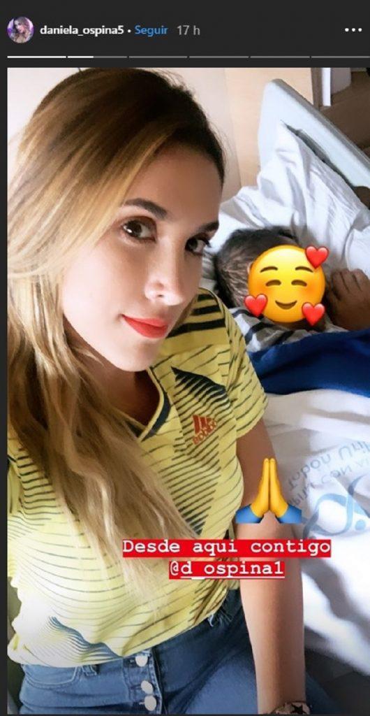 Daniela Ospina con su papá, interno en una clínica