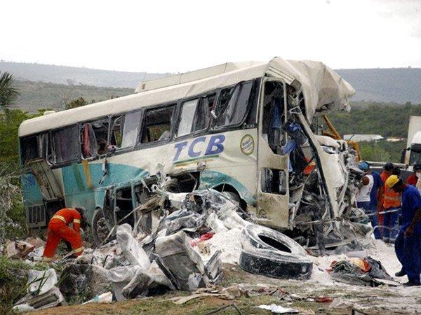 Bus siniestrado en Indonesia