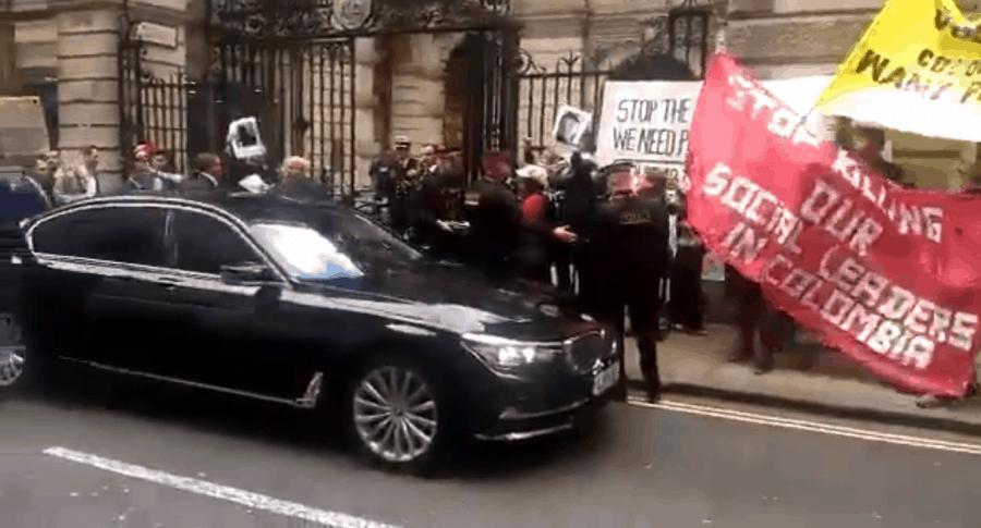 Abucheos a Duque en Londres