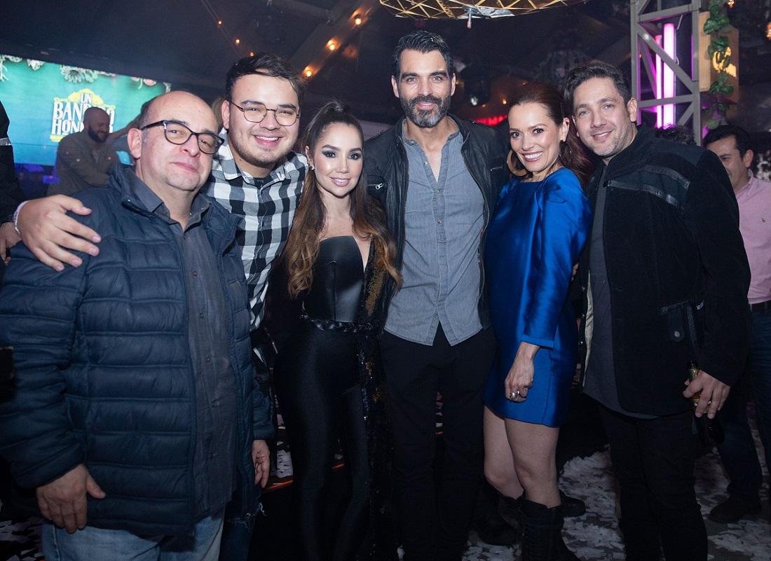 Álvaro Bayona, Sebastián Sánchez, Paola Jara, Tiberio Cruz, Carolina Acevedo y Felipe Calero, actores.