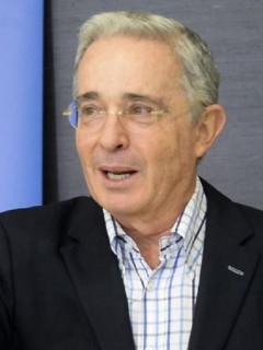 ¿Quiénes recibirían la prima extra en 2020, la que tanto promete Álvaro Uribe?