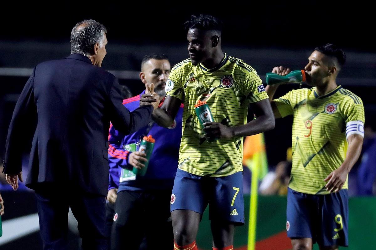 Queiroz y su dilema para escoger el 9 de la Selección Colombia.