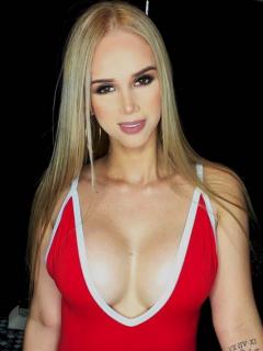 """""""Picos pues"""": la sensual foto en bikini de la pareja de Franco Armani"""
