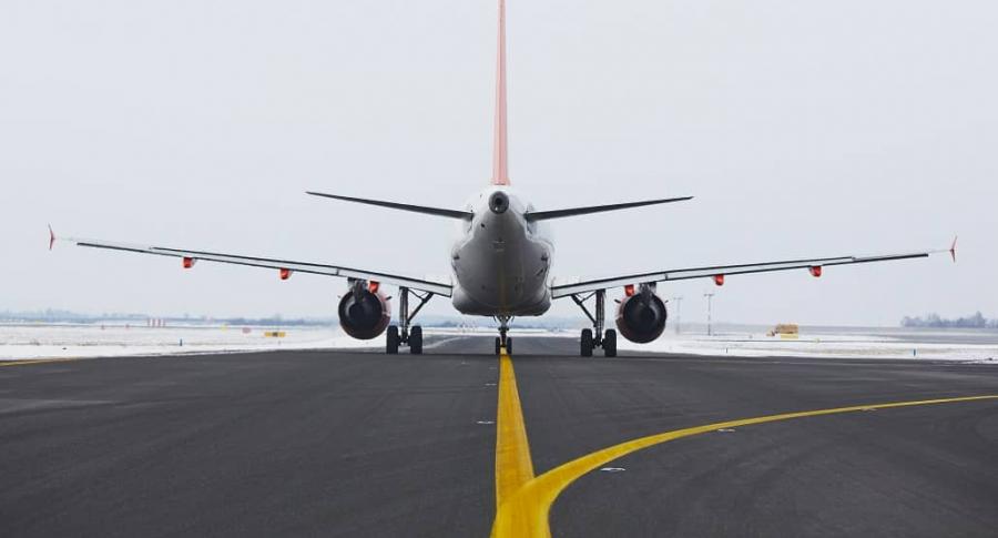 Avión despegando. Avión despegando de Bogotá.