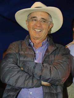 """""""Jamás, en casi 40 años de vida política, Uribe tuvo contacto con paramilitares"""""""