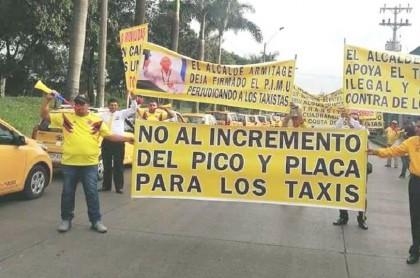 Protesta de taxistas en Cali