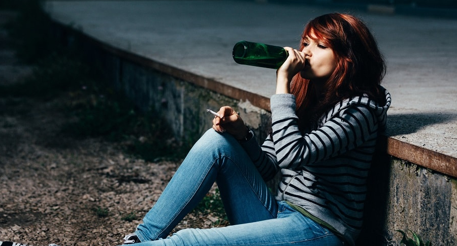 Consumo de alcohol y drogas en espacio público