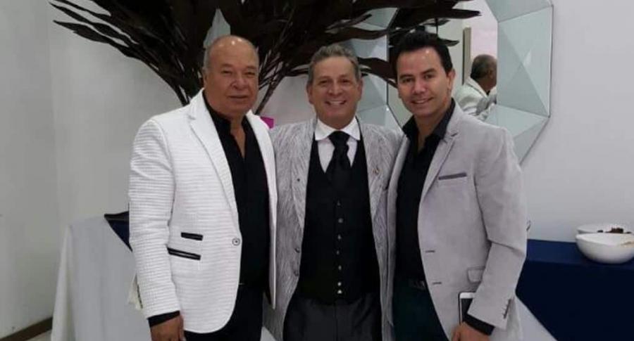 Luis Alberto Posada, daríos Gómez y Jhonny Rivera, cantantes.