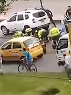 Nuevo video del tiroteo entre policías y delincuentes en Ciudad Bolívar. Captura de pantalla YouTube CM6