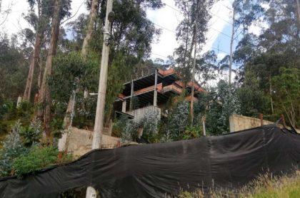 Predio El Bambú. Mansión que será destruida en Bogotá. Imagen. CAR Cundinamarca.