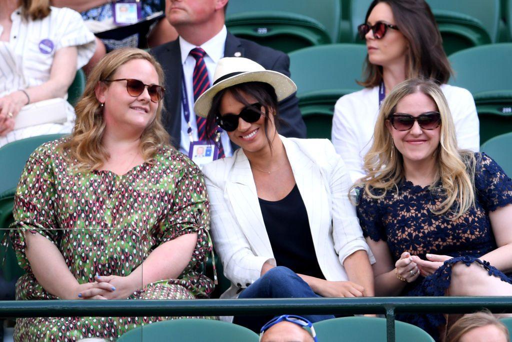Genevieve Hillis, Meghan Markle y Lindsay Roth.