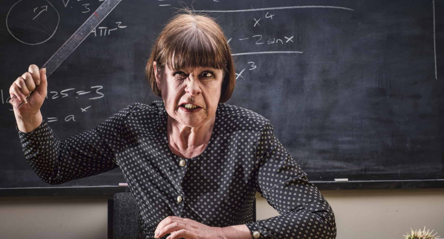 Profesora gruñona.