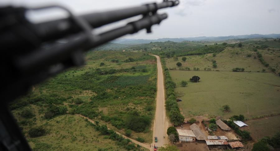 Helicóptero sobrevolando Montes de María