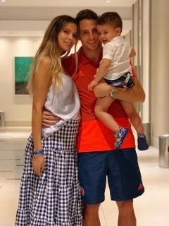 Karin Jiménez, Santiago Arias y Thiago Arias