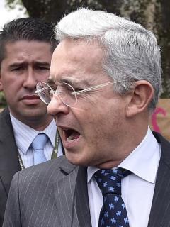 La advertencia sobre las empresas privadas que lanzó Álvaro Uribe previo a elecciones