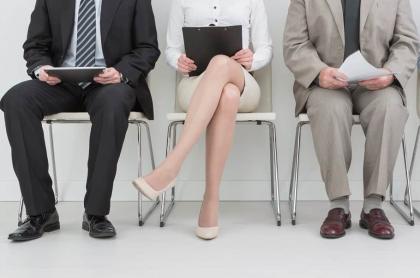 Personas esperando por una entrevista de trabajo. Imagen de referencia Getty.