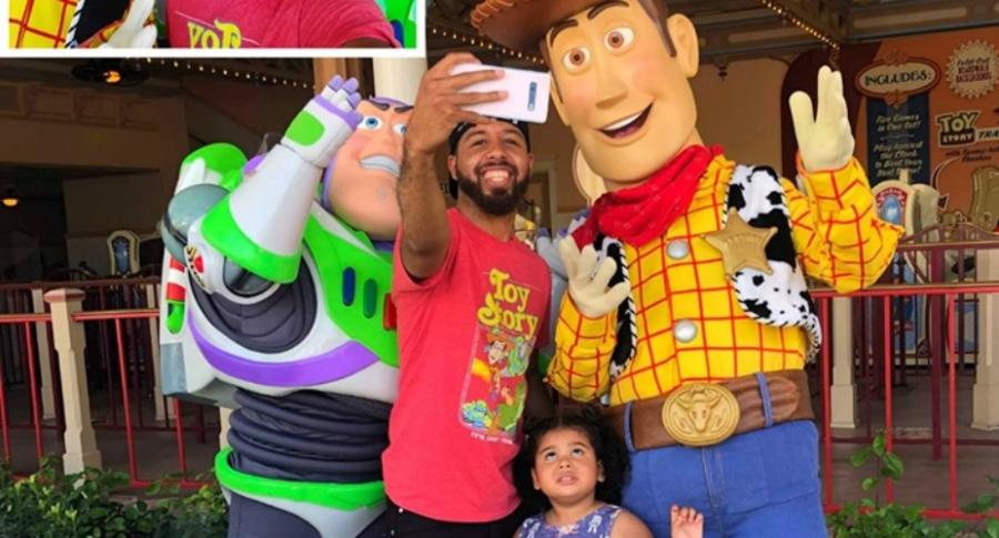 Selfi con personajes de 'Toy Story'.