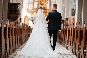 El incentivo (en tiempo y dinero) que por ley darían a colombianos que se casen