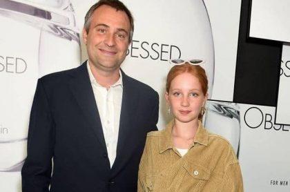Iris Annabel Goldsmith y su padre