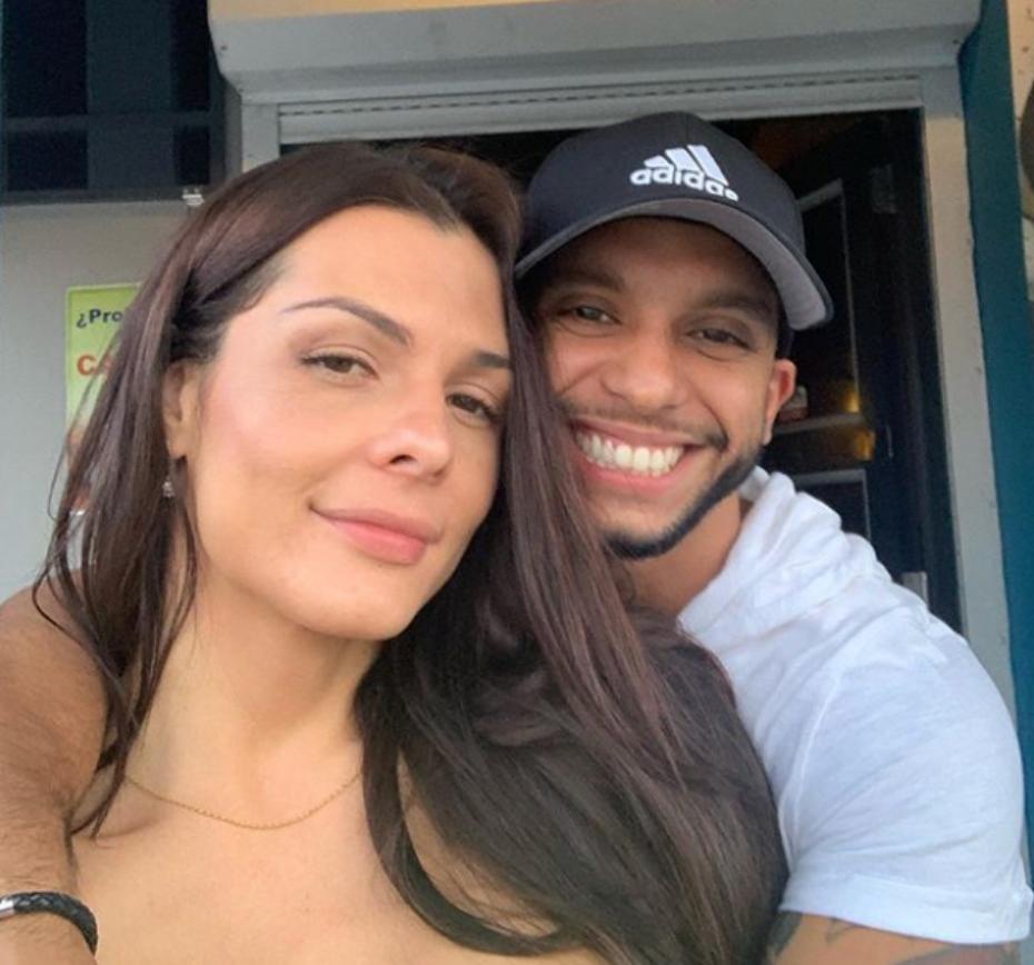 La modelo Danna Sultana y su novio, Esteban Landrau.