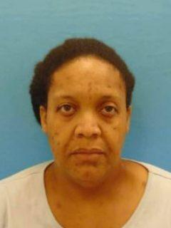 Mujer de EE. UU. obligó a su hija a convivir más de 3 años con el cadáver de su abuela