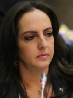¿Por qué Gustavo Petro reta a María Fernanda Cabal a desnudarse?