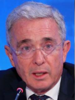 Claudia López triunfa sobre Uribe y De la Espriella, pero el abogado la baja de la nube