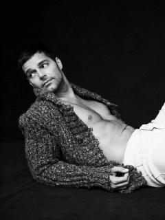 """""""Ricky Martin es tan machista que se folla hombres porque las mujeres no dan la talla"""""""