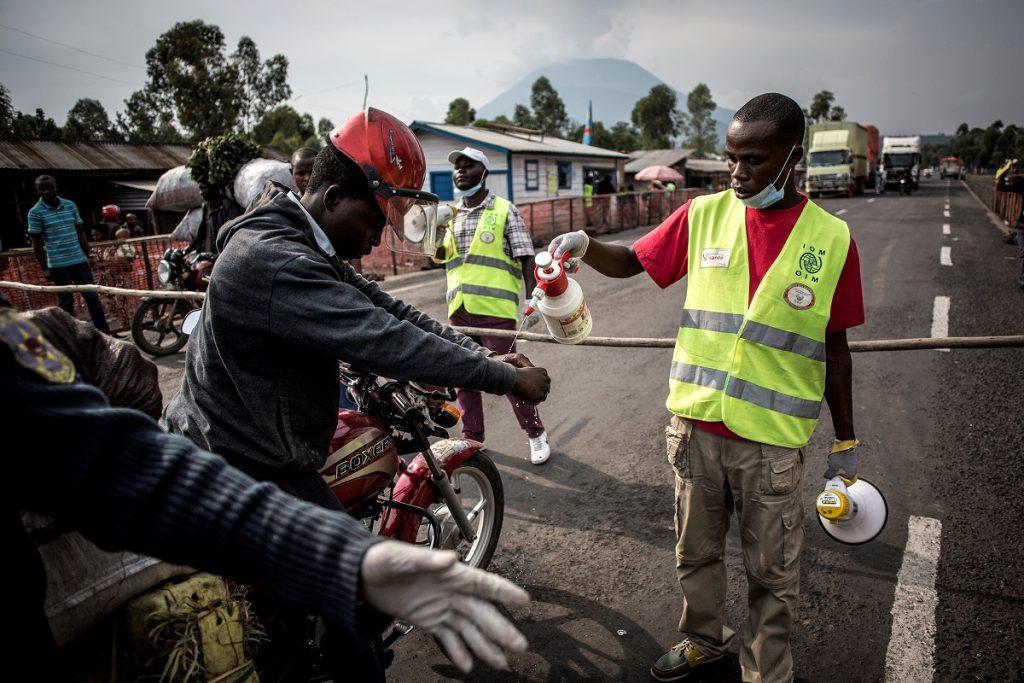 Previenen propagación de ébola en Congo.