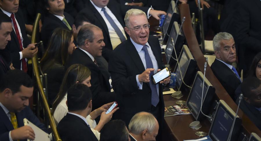 Senador Álvaro Uribe en el Congreso